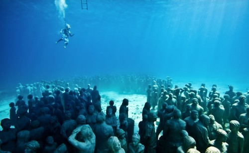 1-sculpture-modern-art-jason-decaires-taylor-sculpture_0-500x307
